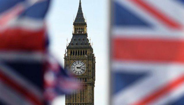 Фунт вырос к доллару до максимума за 2 месяца накануне парламентского голосования о Brexit