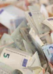 Выбор банка для управления валютным риском ТНК