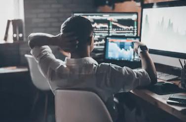 Что такое «дейтрейдинг» и как на этом можно заработать?